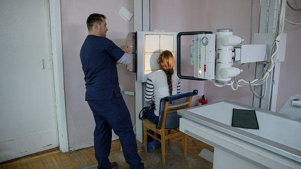 Τα εθνικά συστήματα υγείας στην Ευρώπη αποτυγχάνουν να ανταποκριθούν στις ανάγκες των κοινωνικά ευάλωτων ομάδων