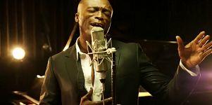 Ο Seal τραγουδάει Σινάτρα και Νατ Κινγκ Κόουλ