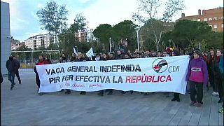 Katalan bağımsızlık yanlıları yol kapattı
