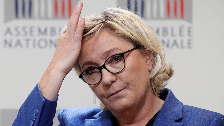Atrocités sur Twitter : Marine Le Pen n'a plus d'immunité parlementaire
