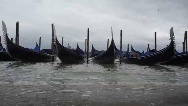 Cheias em Veneza atingem nível mais alto em 4 anos