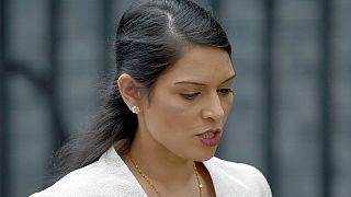 Britische Ministerin Patel tritt zurück