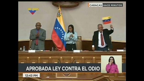 """Venezuela: Bis zu 20 Jahre Haft für """"Anstiftung zu Hass"""""""