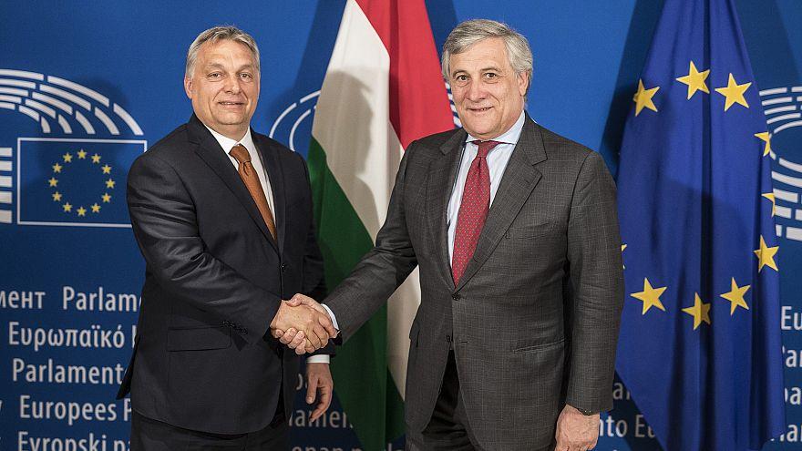 Orbánnal fog beszélni a Soros-konzultációról az EP elnöke
