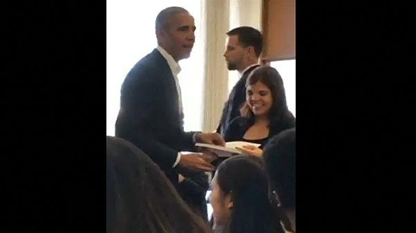 Κάλεσαν τον Ομπάμα να υπηρετήσει ως ένορκος σε δίκη! - ΒΙΝΤΕΟ