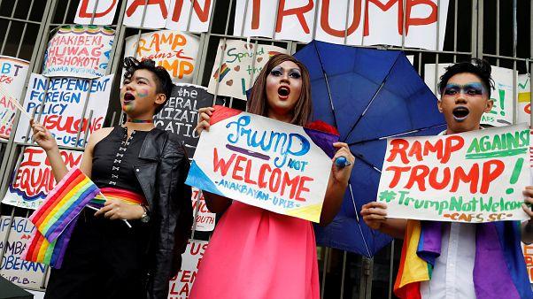 Mulheres filipinas não dão as boas vindas a Trump