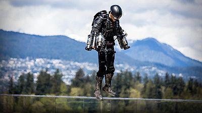 Watch: British inventor sets jet suit world record