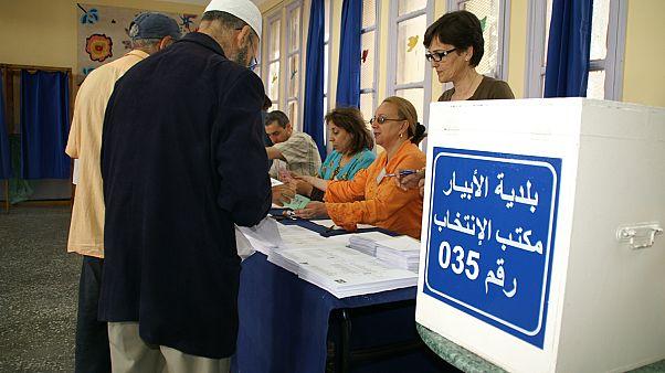 اللافتات الانتخابية تثير السخرية والجدل