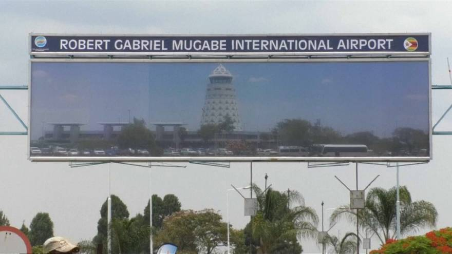 "Robert Mugabe a ""son"" aéroport"