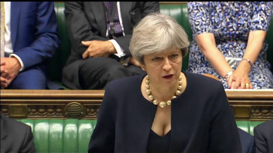 Theresa May will Brexit-Datum per Gesetz festschreiben