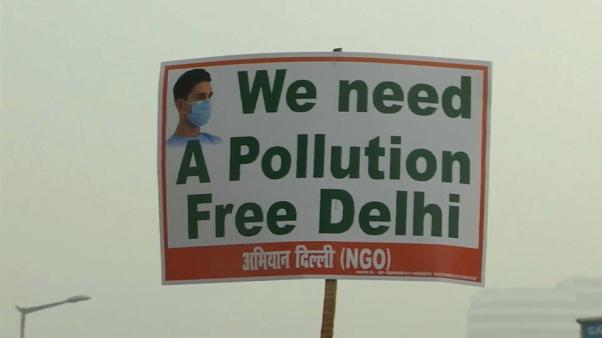 Delhi air pollution hits danger levels