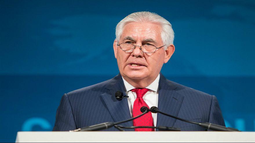 تيلرسون يحذر دول المنطقة من استخدام لبنان ساحة حرب بالوكالة