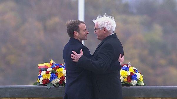 Macron ve Steinmeier anıt müze açılışında buluştu