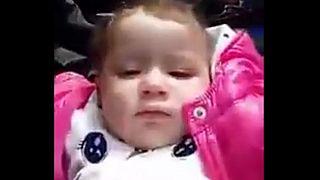 """فيديو لـ""""أصغر حراق"""" يثير سخط الرأي العام في الجزائر"""