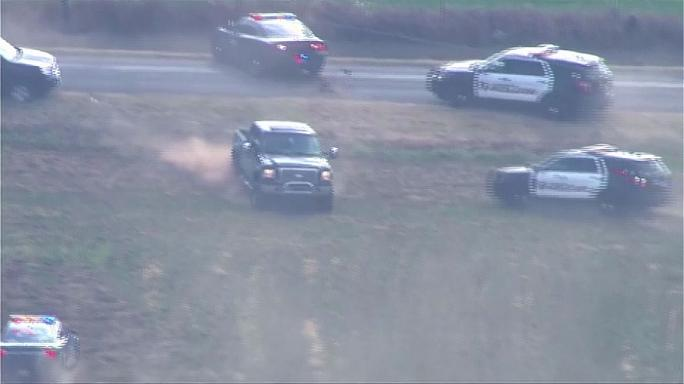 Watch: Truck thief suspect leads police on dramatic chase