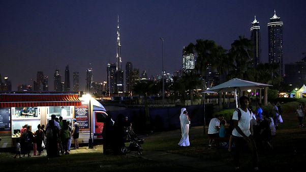 تجنب هذه الأفعال كي لا ينتهي الأمر بك في سجون دبي