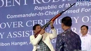 Filipinler Devlet Başkanı Duterte'nin uyuşturucuyla kanlı mücadelesi
