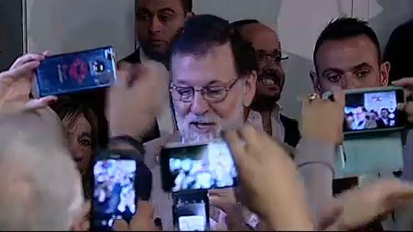 Mariano Rajoy seçim kampanyası için Barselona'ya geldi