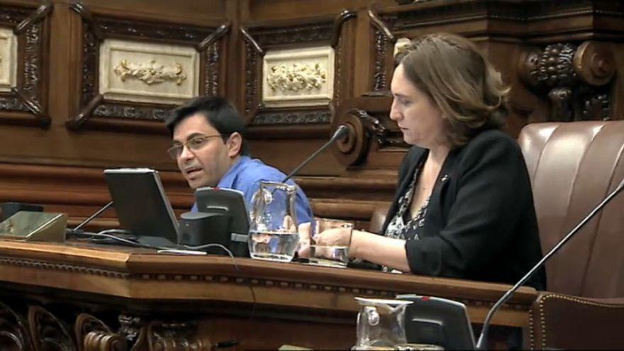 Barcellona, rottura tra Colau e socialisti