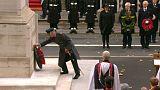 Rainha quebra tradição na cerimónia pelos soldados mortos nas guerras