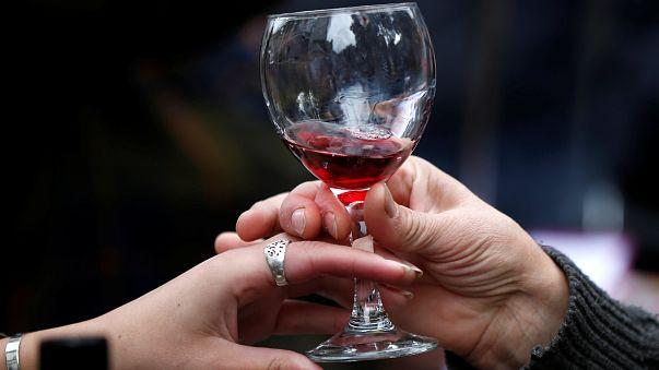 تناول الكحول يزيد من احتمال الإصابة بالسرطان
