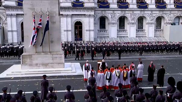 Britische Königsfamilie erinnert an Kriegstote des Ersten Weltkriegs
