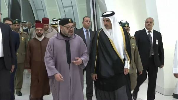 العاهل المغربي يتدخل لحل أزمة الخليج