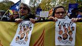 """Catalogna, marcia al grido """"Libertat"""""""