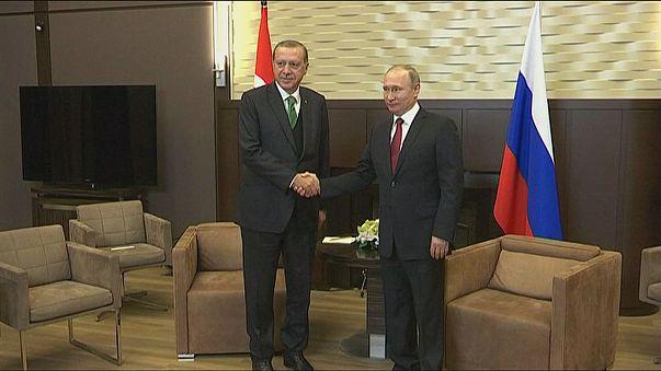 Presidente turco de visita a Moscovo