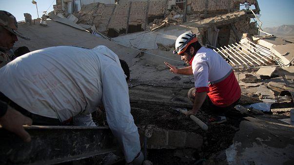 İran-Irak sınırında şiddetli deprem: En az 300 ölü