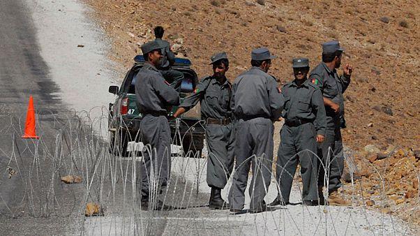 طالبان ۸ پلیس افغان را به قتل رساند