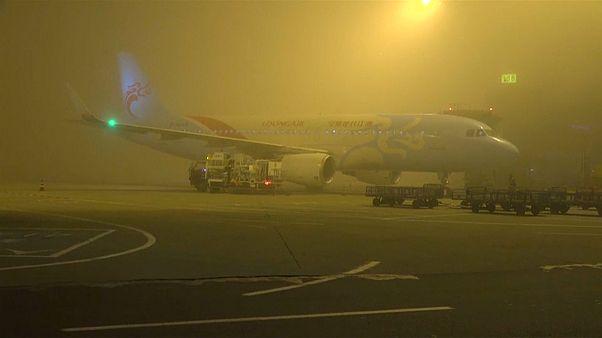 Κίνα: Χιλιάδες ταξιδιώτες παγιδεύτηκαν λόγω ομίχλης