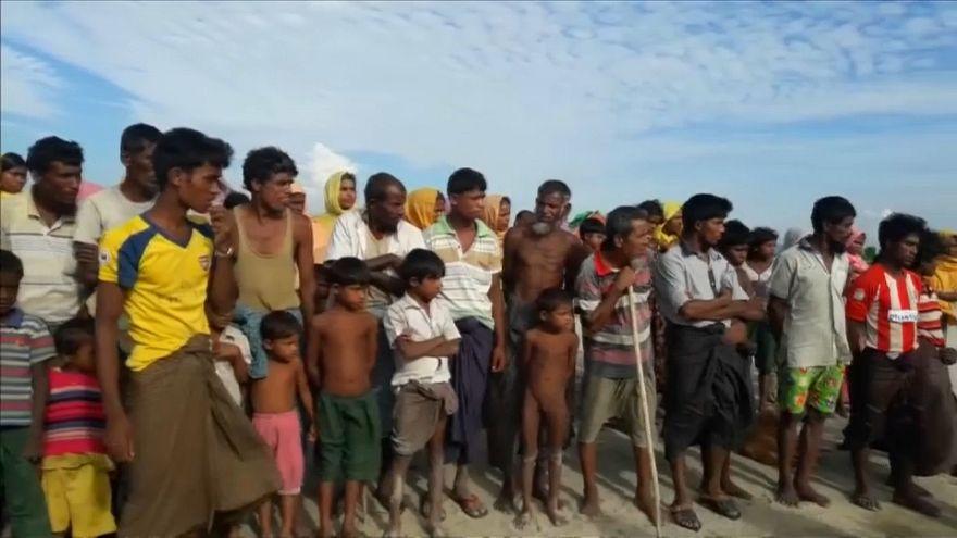 Ροχίνγκια: Περιμένοντας το πλοίο της σωτηρίας