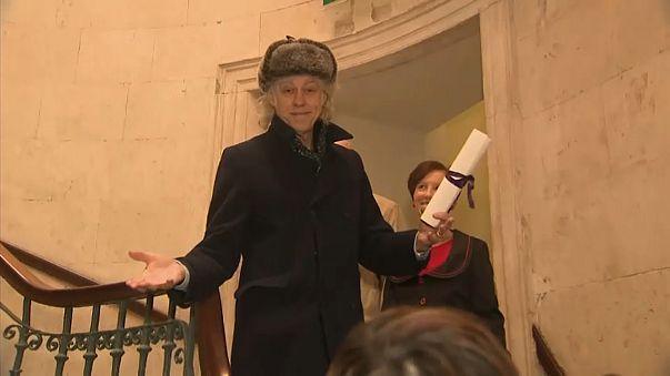 Geldof devolve prémio da Liberdade de Dublin