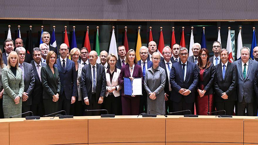 توقيع ميثاق أوروبي للدفاع لخلق تكامل بين دول الإتحاد