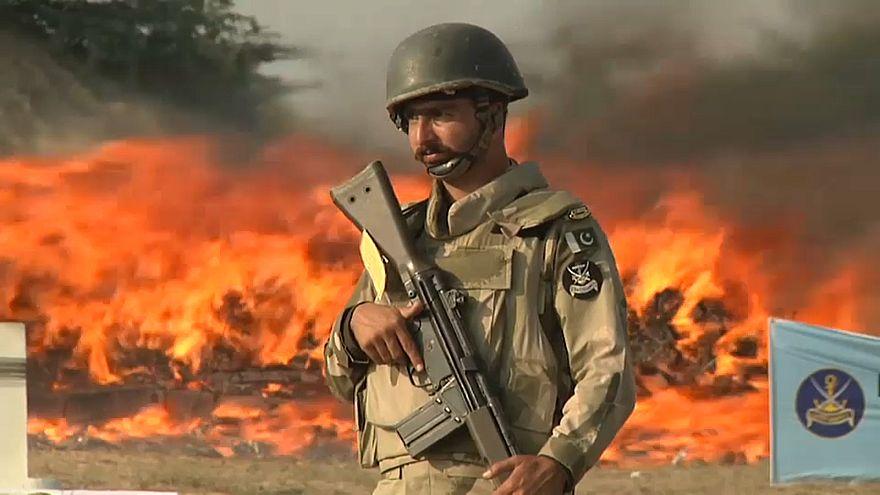 باكستان تشن حملة ضد تجارة المخدرات وتهريبها
