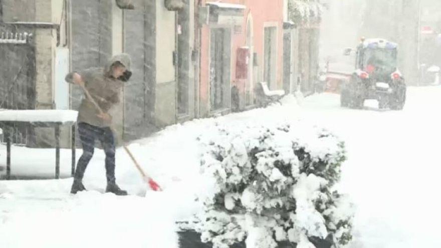 Italia: nevica anche sugli Appennini, pioggia in arrivo
