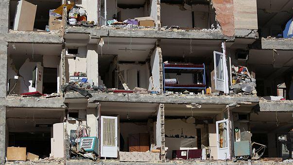 İran'da depremin bilançosu ağırlaşıyor