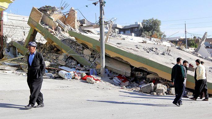 Irán deja de buscar supervivientes entre los escombros del terremoto