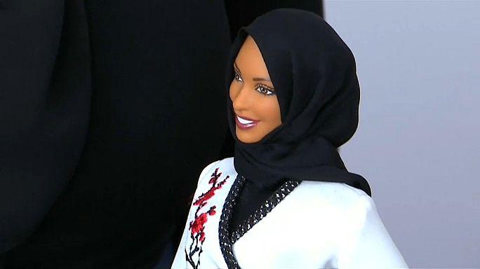 Mattel presenta la primera Barbie con hiyab