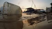 Kenya craftsmen build boat out of plastic waste [no comment]