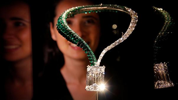 Fransız taçlarını süsleyen elmas 14,5 milyon dolara satıldı