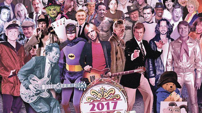 Un artista británico actualiza la portada de los Beatles con famosos muertos en 2017