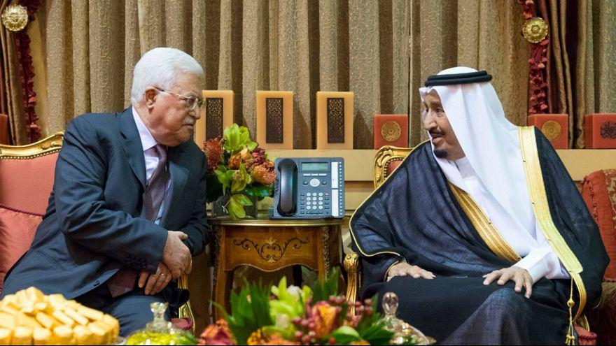 التايمز: محمد بن سلمان يخير عباس بين قبول خطة كوشنر أو الاستقالة
