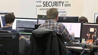 Κυβερνήσεις χειραγωγούν το διαδίκτυο, δείχνει έκθεση
