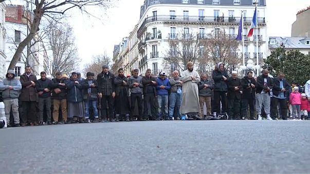 توتر بسبب صلاة المسلمين في شوارع مدينة كليشي الفرنسية