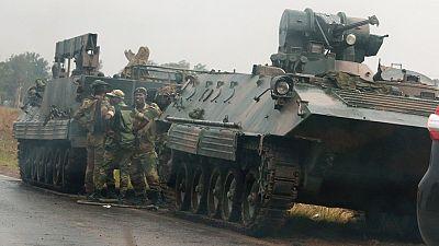 Tensions au Zimbabwe : des chars vus près d'Harare après des menaces du chef de l'armée