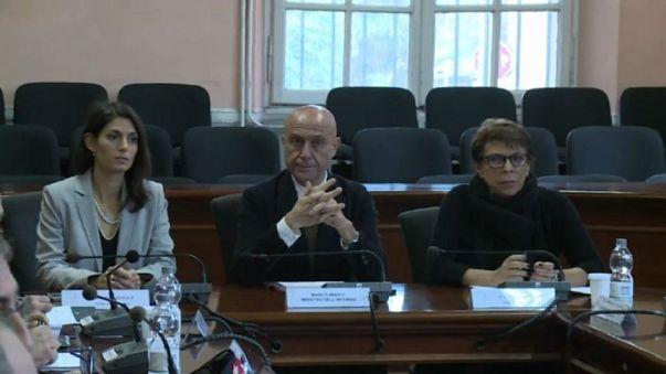 """Minniti: """"Vigilanza ai seggi di Ostia"""""""