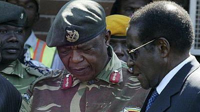 """Le parti de Mugabe accuse le chef de l'armée """"de conduite relevant de la trahison"""""""