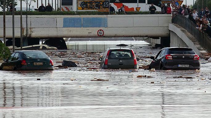 Hatalmas árvíz Athén környékén